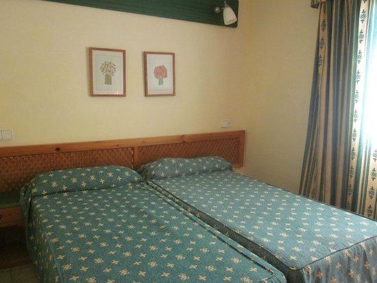 Hotel THB Flora: Vista habitación
