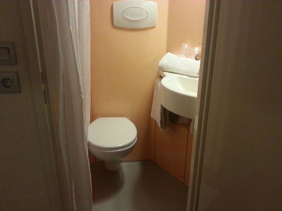 Premiere Classe Lille Centre: Baño