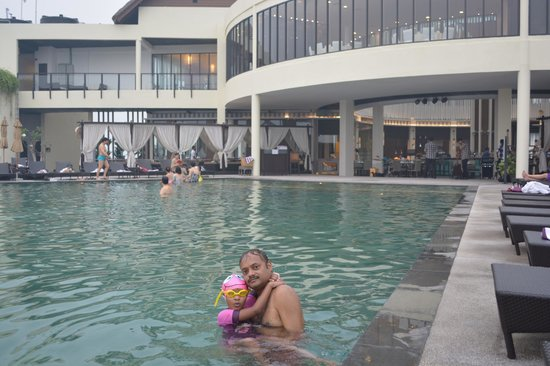 AVANI Sepang Goldcoast Resort: The Swimming Pool....