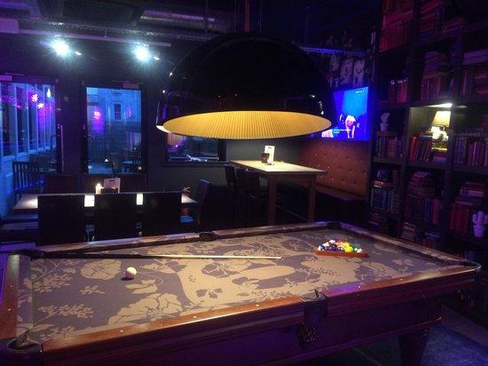 pentahotel Inverness : Zona juegos y lectura