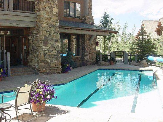Bear Paw Lodge, Beaver Creek : Bear Paw Pool Summer