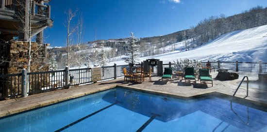 Bear Paw Lodge, Beaver Creek : Bear Paw Pool Winter