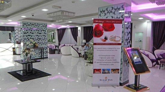 Tulip Inn Muscat : Le hall d'entrée