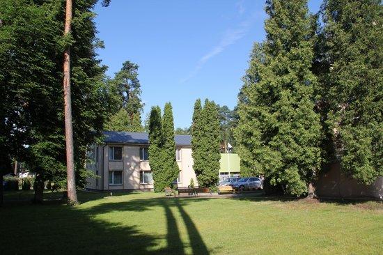 Dzintars Hotel: Garden