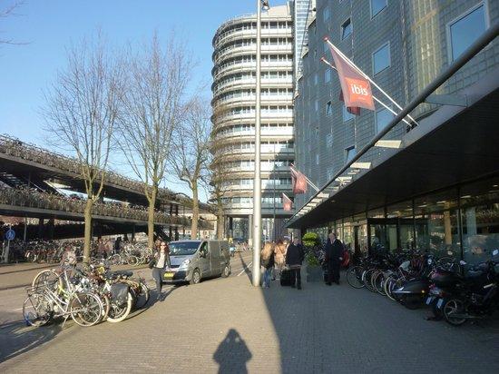 Entrada hotel picture of ibis amsterdam centre for Ibis hotel amsterdam
