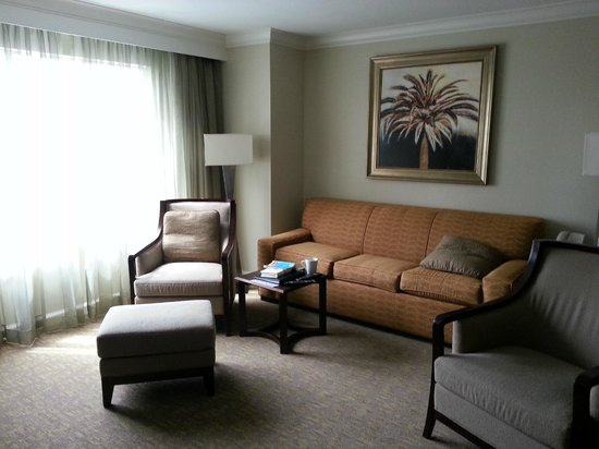 Hilton Grand Vacations on Paradise (Convention Center): Living room space