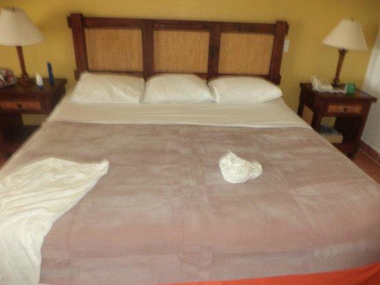 Royal Decameron Golf, Beach Resort & Villas : cama inmensa