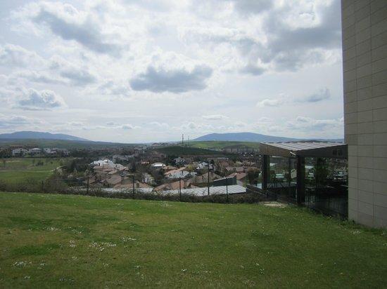 Castillo Gorraiz Hotel Golf & Spa: Gorraiz desde el hotel