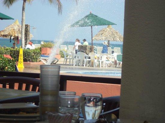 Royal Decameron Beach Resort, Golf & Casino : La vista desde uno de los comedores