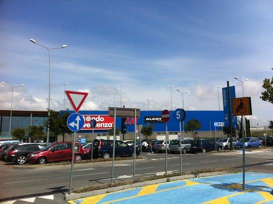 Centro commerciale 1 foto di porte di catania tripadvisor for Negozi di arredamento catania