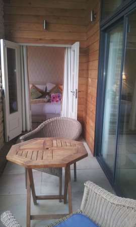 Feversham Arms Hotel & Verbena Spa: Nice balcony with furniture