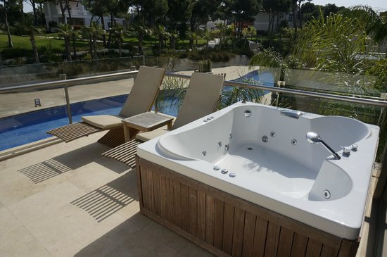 Maxx Royal Belek Golf Resort: Terrace in room
