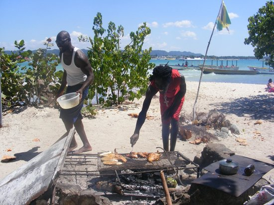 Booby Cay Island: Ray and Conroy get our bbq going...simply the best!
