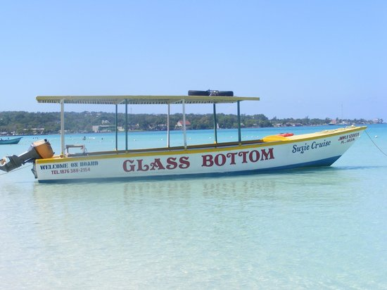 Booby Cay Island: Look out for this boat..The Suzie Cruise!