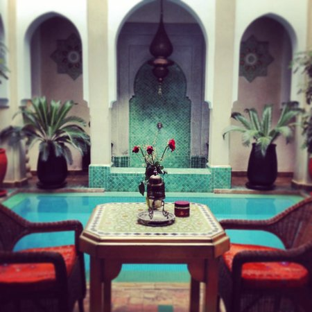 Riad Hikaya: Overlooking central pool