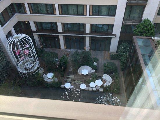 Mandarin Oriental, Paris: Courtyard