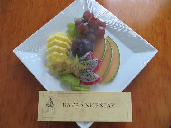 Hotel Pod Vezi : Fruit present on day 2