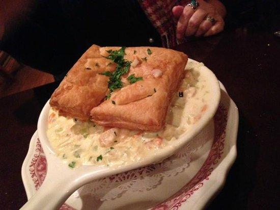 La Taverna: chicken pot pie
