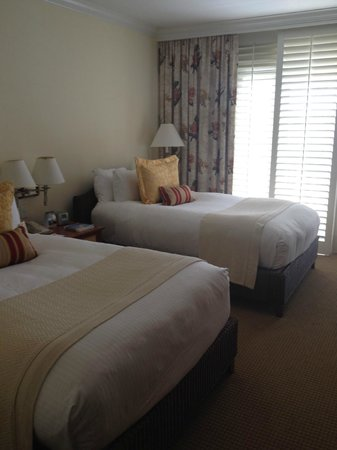 Balboa Bay Resort : double beds