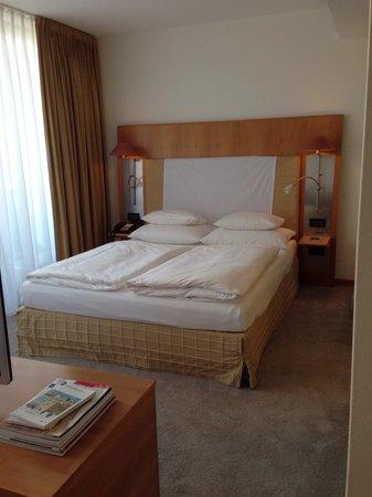 The Mandala Hotel : Bed