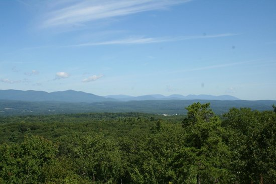 Mountain Meadows Bed & Breakfast : 10 minutes away, a gorgeous view of the Catskills