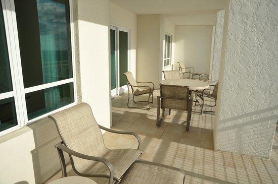 Marriott's Oceana Palms : huge balcony