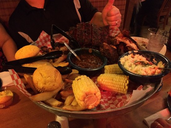 Famous Daves : The Feast