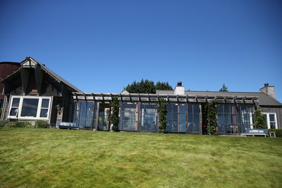 The Farm at Cape Kidnappers : Looking back up to the dining room