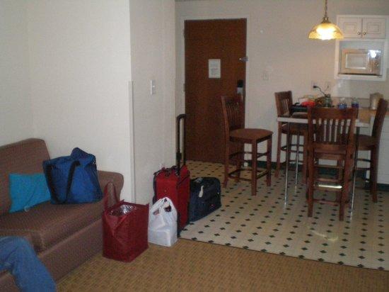 Landmark Inn Fort Bragg: From living area towards eating area & door