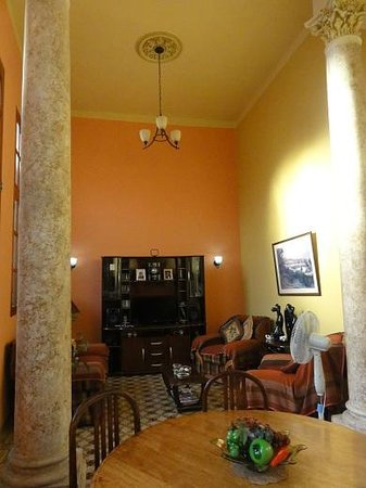 Graciela: Living Room With Colonial Style Columns
