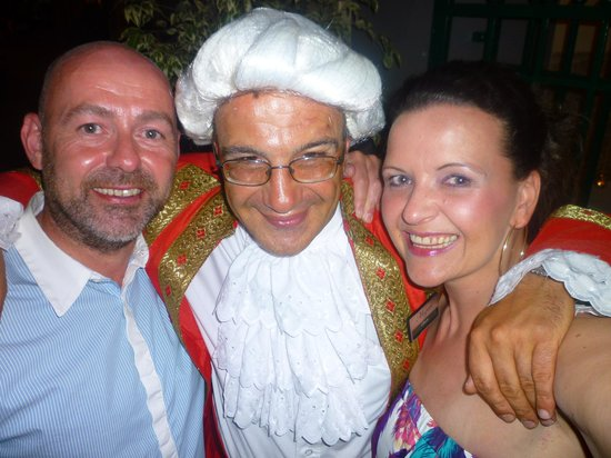 Restaurante Mozart: They want a photo with the Mozart!
