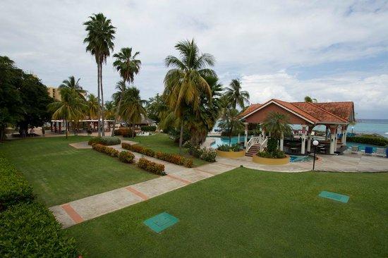 Jewel Dunn's River Beach Resort & Spa, Ocho Rios,Curio Collection by Hilton: Paradise