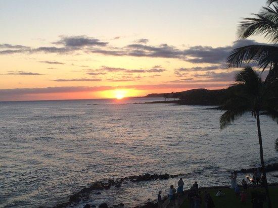 Kuhio Shores Condos: Beautiful sunsets every night!