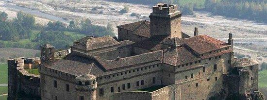 Foto aerea del Castello di Bardi