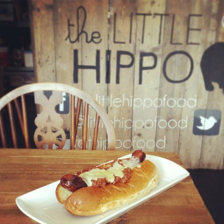 The Little Hippo: Chilli Cheese Dog