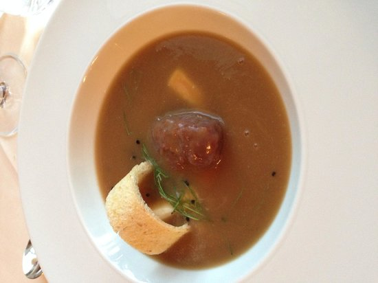 Hob Nob Restaurant : French onion soup