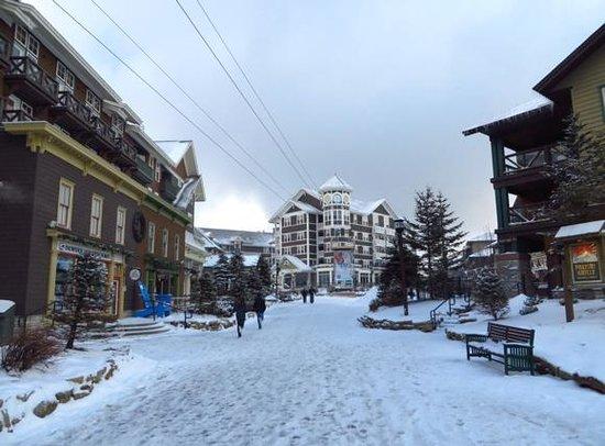 Snowshoe Mountain Resort: Village central