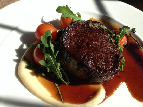 The Poet: Filet of Sussex Beef with Portobello mushroom