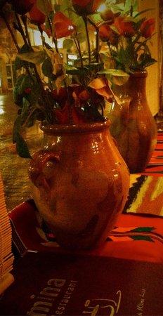 Mina Restaurant : Terracotta jugs
