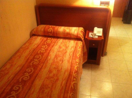 Hotel Las Arenas: Atención a la colcha