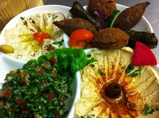 Mina Restaurant : Selection of Mezza