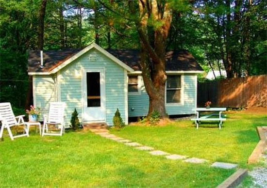 Harbor House Country Cottages : Edgewater Cottage