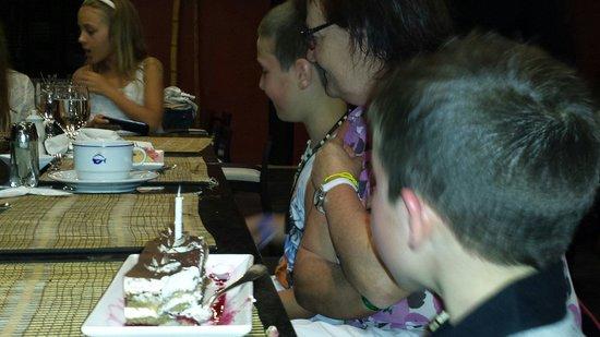 Sirenis Punta Cana Resort Casino & Aquagames: My sons birthday cake at jade restaurant