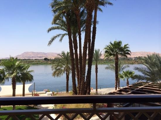 Hilton Luxor Resort & Spa : A morning view of the Nile..