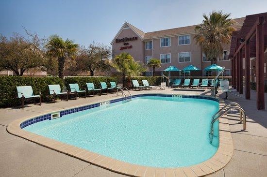 Residence Inn San Antonio Downtown/Market Square: Outdoor Pool