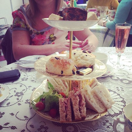 Just Grand! Vintage Tearoom: Mothers Day :)