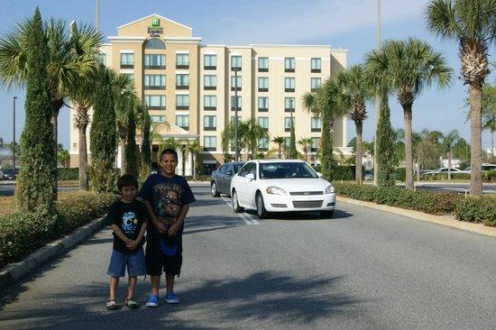 Holiday Inn Express Hotel & Suites Orlando - International Drive: ingreso