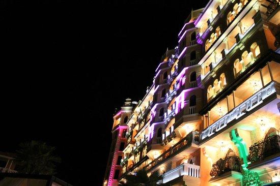 Hotel Royal Castle: подстветка