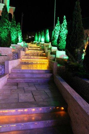Hotel Royal Castle: все светиться