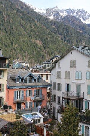 Hotel la Vallee Blanche : View N